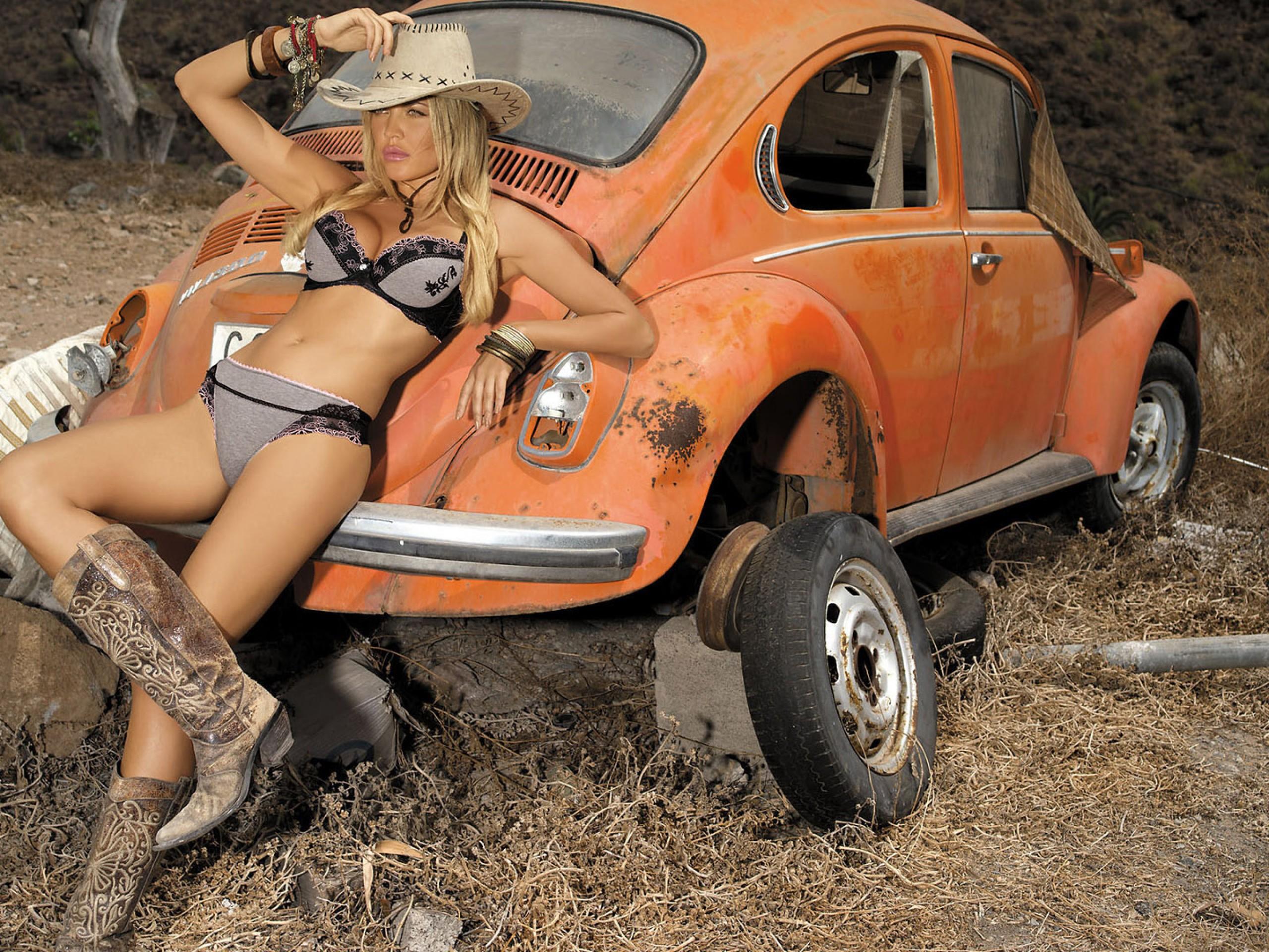 Секс біля трактора 2 фотография